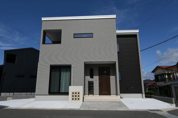 小島工作所製家具付き住宅